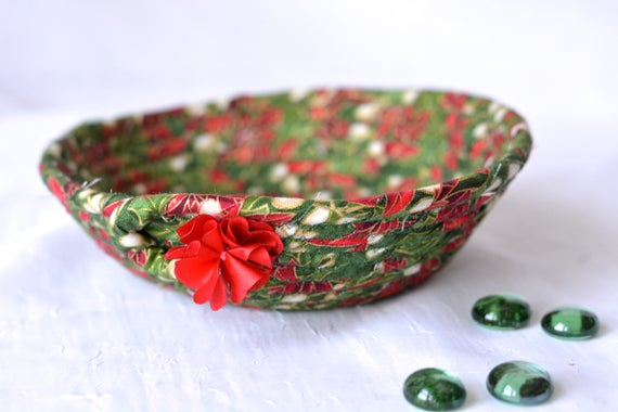 Christmas Decoration, Holiday Candy Dish, Handmade Artisan Quilted Basket, Cute Clothesline Rope Basket, Quilted Cording Bowl