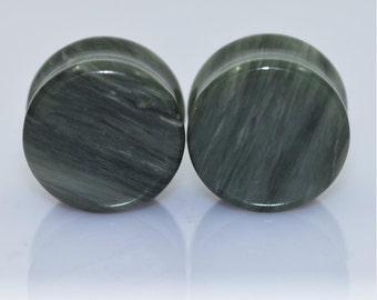 2 Jade Plugs + Natural Real Stone 6-16mm + Green