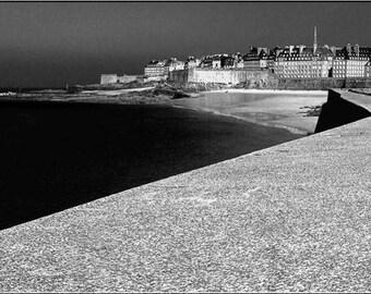 The Mole of black in Saint-Malo, Emerald Coast, Britain. © Malow