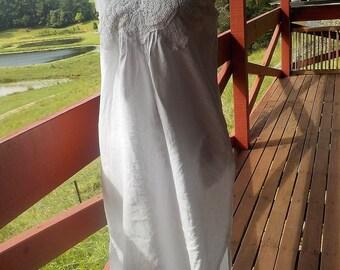 linen midi dress with crochet - chic + summery - medium