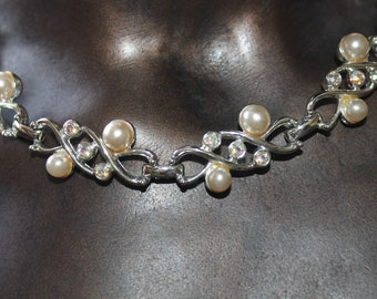 Sarah Coventry Pearl Rhinestone Necklace