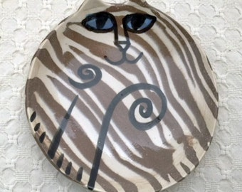 Pottery Cat dish purfect blue eyes tiger safe for humans & special felines HM whimsical 6.5 inch round by potter