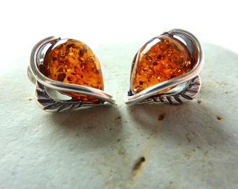 Heart Amber Stud Earrings.Small Amber Heart Post Earrings.Amber Earrings.Silver Heart Earrings.Baltic Amber Earrings.Amber Jewelry