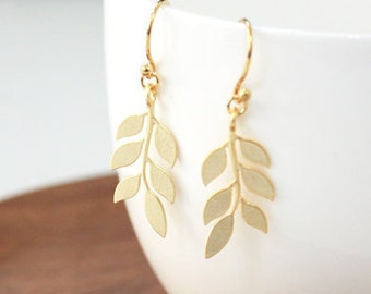 leaf simple Earring, mothers day, tiny earring, dainty,everyday jewelry,Bridesmaid gift,Christmas Gift