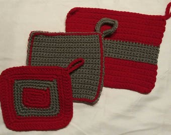 Set of 3 red and grey hot pads