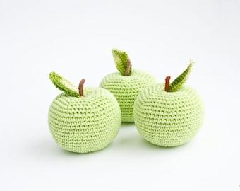 Crochet apple (1 pc) - baby rattle, crochet rattle, pretend play, play food, eco-friendly toy - FrejaToys