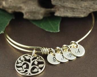 Gold Family Bracelet, Tree of Life Bracelet, Mommy Gold Tree Bracelet, Tree of Life Bangle, Initial Bangle Bracelet, Gold Grandma Bracelet