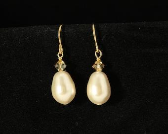 Pearl Bridal Earrings, Pearl Drop Earrings, Dangle Wedding Earrings, Gold Bridal Jewelry, Teardrop Pearl, Bridesmaids Earrings -- CORRINE