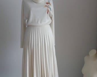 Vintage 1970s knit dress   70s pleated dress   1970s crochet dress