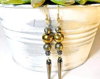 Raw pyrite / druzy dangle w/spikes. Gold plated earring hooks