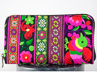 """Woman Wallet with Embroidered Fabric Handmade  : 4.5""""X 7.5""""/ Wallet / Inside Zipper, Card Slots, Zipper Opening"""