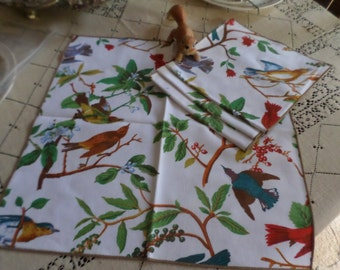 Set of Four Gorgeous Colorful Birds Linen Table Napkins/Dinner-Blue/Red/Green-Vivid