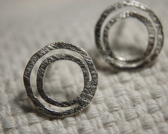 Silver rounds earrings