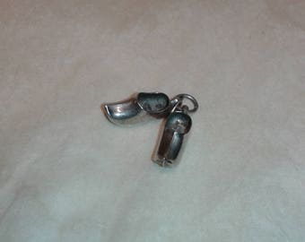 Solid sterling silver vintage retro pair of clogs European Dutch Nederlands shoes bracelet charm , womens fashion style