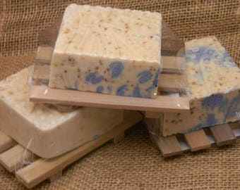 Huckleberry Gift Set Cold Processed Soap Bar Soap Wooden Soap Deck