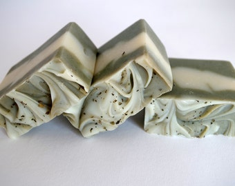 Handmade soap - Natural soap - Peppermint and Eucalyptus cold process soap - Fresh and stimulating
