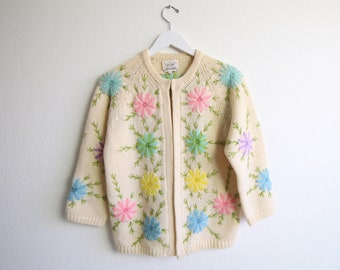 VINTAGE Sweater Floral Cardigan 1960s Knit Flower Wool Womens Medium