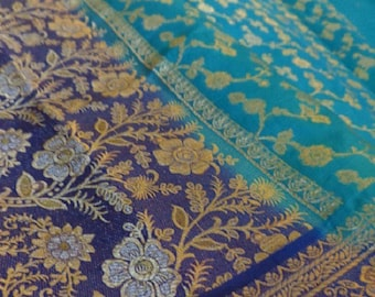 Meter tissu Silk Sari India blue golden embroideries