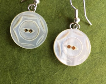 Antique Victorian Mother of Pearl button earrings, 18mm