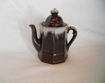 Vintage DaVar ORIGINALS small Brown ceramic Drip Glaze Tea/Coffee Pot~Kitchen Kitsch~Tchotchke~Decor~ Made in Japan