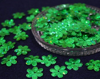 15 mm • Green Glitter Flower Sequins