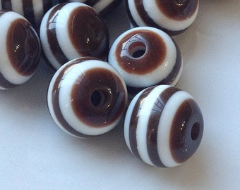 10 mm Stripe Chocolate Colour Round Acrylic Beads (.mng)