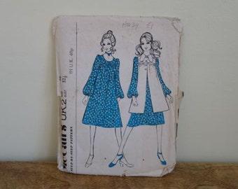 "Vintage McCalls Ladies Sewing Pattern, 1970 Smock Dress, UK Size 10 or Bust 32.5"""