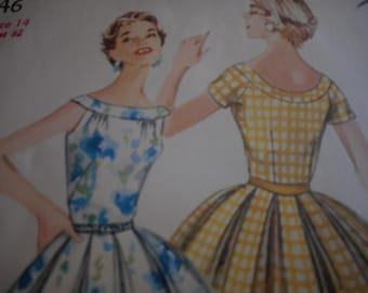 Vintage 1950's Simplicity 1646 Dress Sewing Pattern Size 14 Bust 32