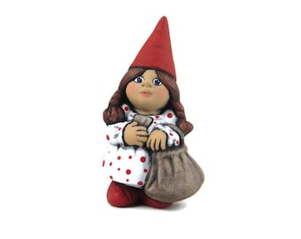 Small Travelling Female Gnome - 5.5 inches, lawn or garden gnome, outdoor or indoor