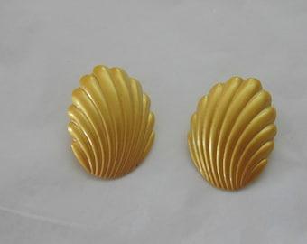 Vintage Yellow Shell Earrings