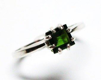 "Chrome diopside ring, russian emerald, solitaire ring, princess ring, green, green ring, s 6 1/2 ""Merry & Bright"""