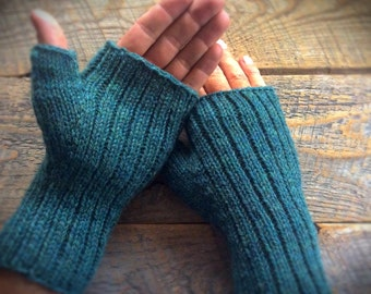 Mens green wool fingerless gloves