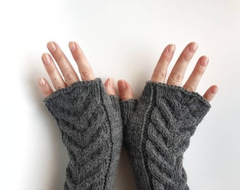 Grey fingerless gloves, cable knitted armwarmers, handknit handwarmers, womens mitts, handmade winter gloves