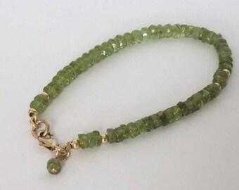 Green peridot bracelet, Peridot bracelet, Gold filled bracelet, Peridot gemstone, Hombre braceket, August birthstone, Green bead bracelet,