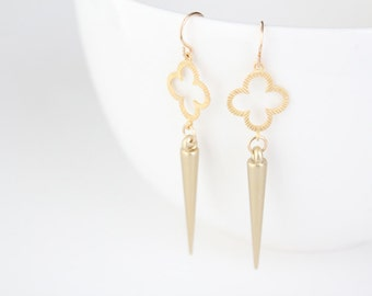 Gold Quatrefoil and Spike Earrings - Ari
