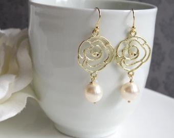 Rose Flower Modern Dangle Drop Earrings. Light Cream White Swarovski Pearls Ear Accessory. Bridal Wedding Gift. Christmas Stocking Stuffer