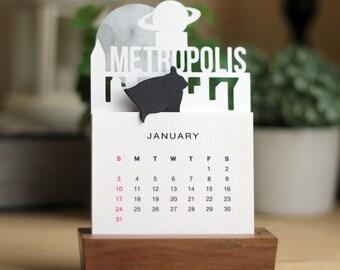 2018 Minimalist Paper Cut Desk Calendar with Solid Wood Stand \ Metropolis