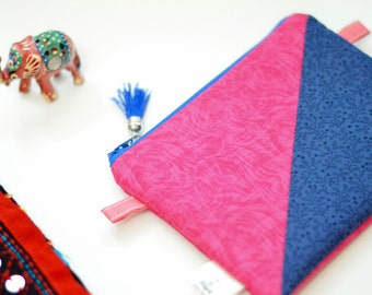 Zipper Pouch, gadget case, one of a kind, cosmetic pouch, notions pouch, padded,  zip pouch, scrappy pouch, sewing pouch, project pouch
