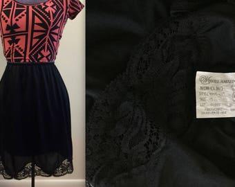 Vintage 1970s Black Wondermaid Non Cling Short Half Slip - Lace - medium