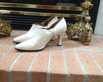 Vintage cream shoes