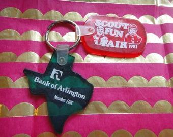Vintage keychain keys key chain key ring Texas Green Keyring Vintage