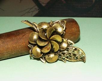 Filigree brooch/Vintage flower brass brooch/1930s
