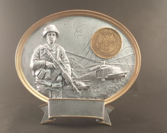 Female Army Oval Free Standing Statue - FREE ENGRAVING - Retirement Award - Promotion Award - Memorial Gift