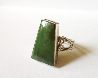 Vintage Big Sterling Ring Forest Green Geometric Abstract 1960 size 7 dome stone