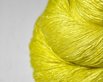 Sickly yellow - Tussah Silk Lace Yarn