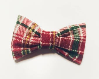 Christmas plaid bow.