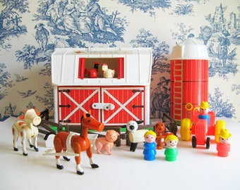 Vintage Fisher Price Barn and Silo with Farm Animals 1986 Little People, Cow Horse Pig Sheep Dog Rooster Chicken Water trough Tractor 2501