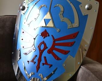 Hylian Shield - Twilight Princess - Full Steel Face, Battle-Ready replica from Legend of Zelda