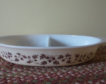 Pyrex Gold Acorn divided casserole