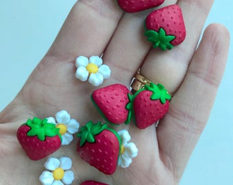 strawberry and flower buttons, decorative buttons , sewing buttons, kids crafts, craft supplies, summer